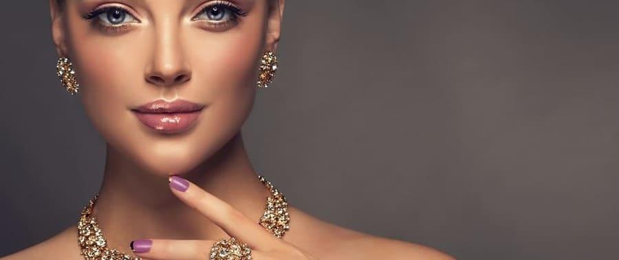 Можно ли вернуть ювелирное изделие в магазин: как сдать обратно или обменять кольцо, подлежат ли возврату золотые украшения или сделанные из серебра?